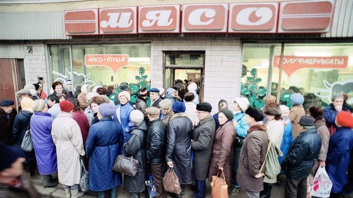 苏联人民排队买肉